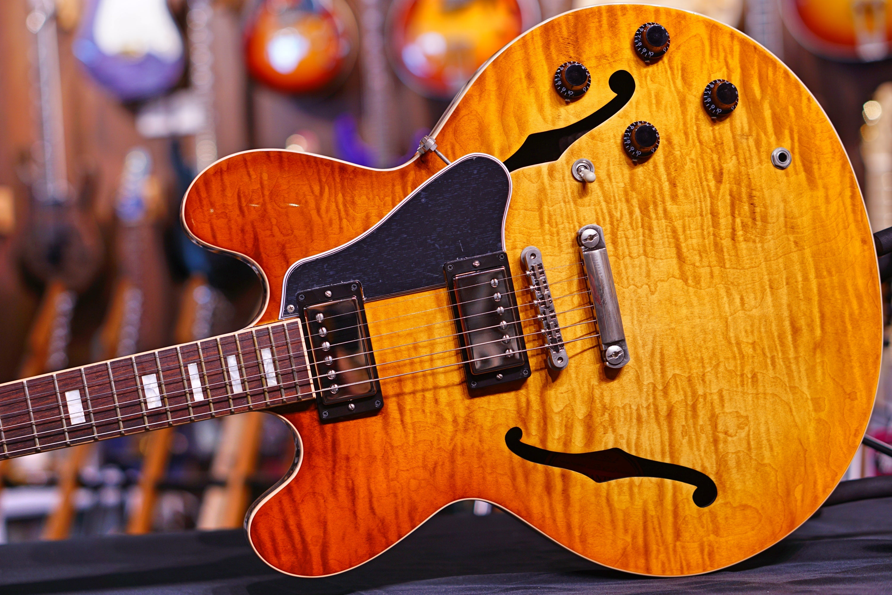 Gibson ES335 Light burst - HIENDGUITAR.COM