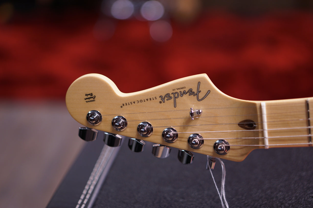 Fender Limited Edition American Professional Stratocaster  Maple Fingerboard Surf Pearl