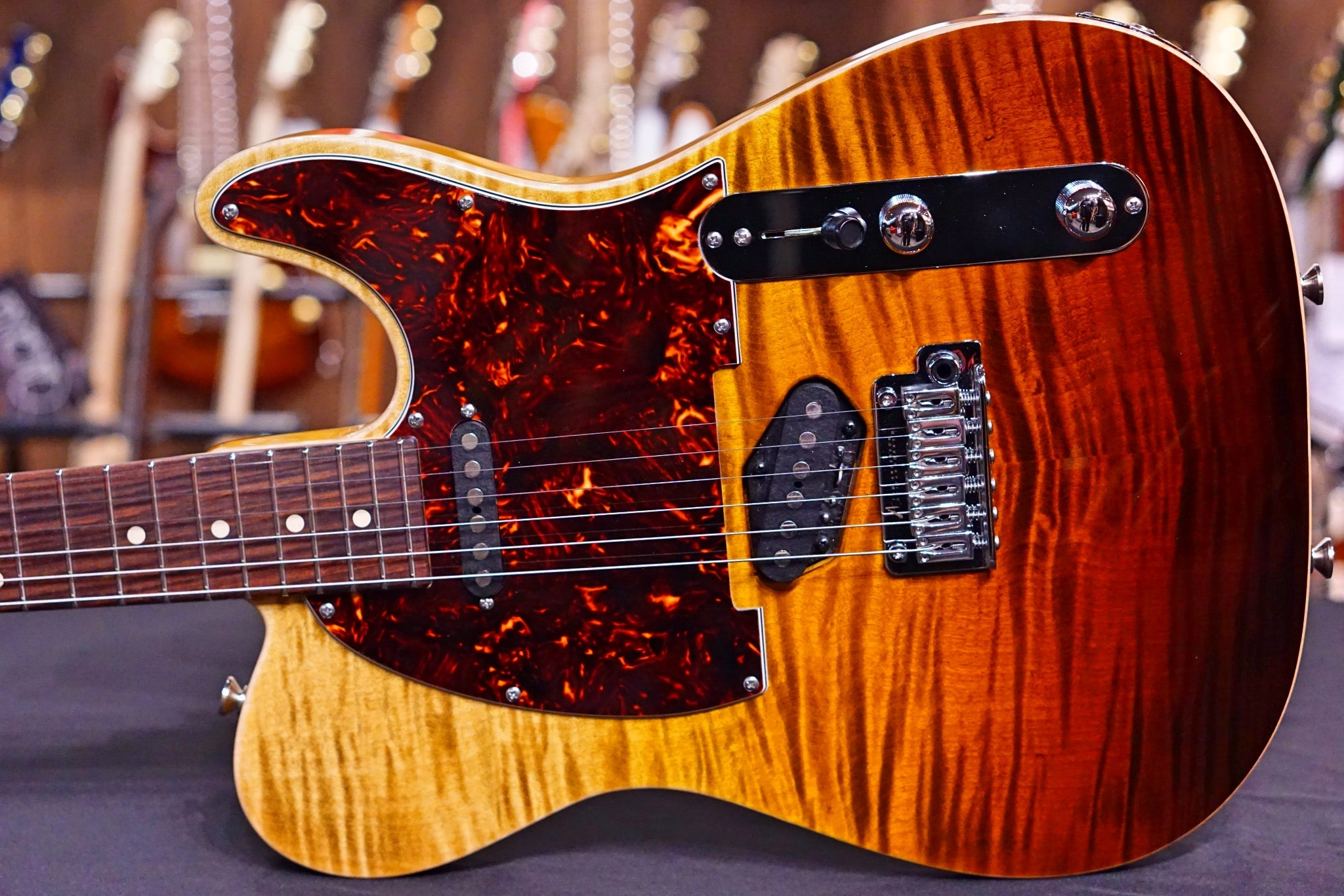 Anderson Top T Classic * 09-25-19N * Tiger Eye Surf with Binding Anderson - HIENDGUITAR.COM