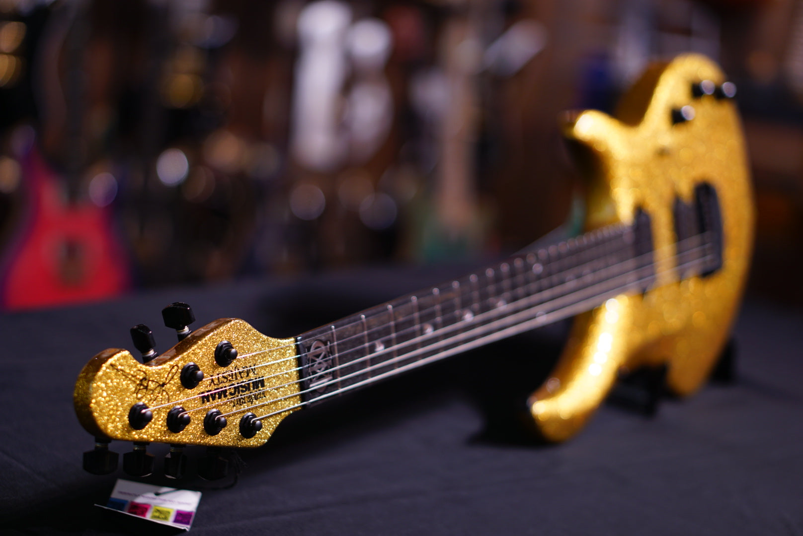 Musicman Majesty BFR gold sparkle Namm Limited