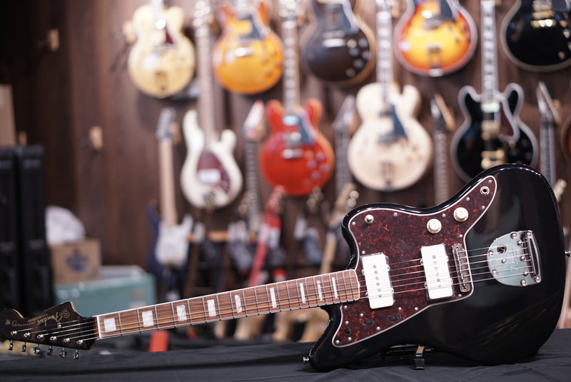 Fender Limited Edition 60th Anniversary Classic Jazzmaster - Black