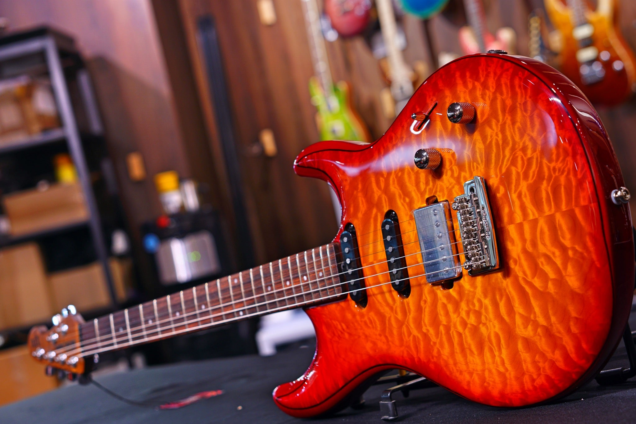 Ernie Ball Music Man Luke III HSS - Cherry Burst Quilt G98336