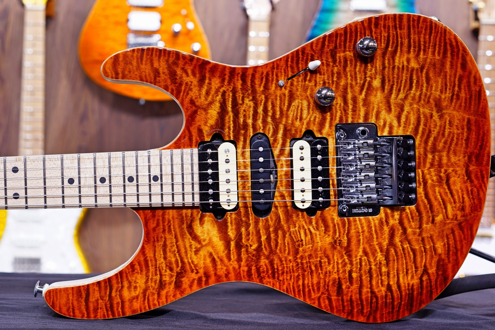 Suhr modern custom copperhead w white back JS8T5F