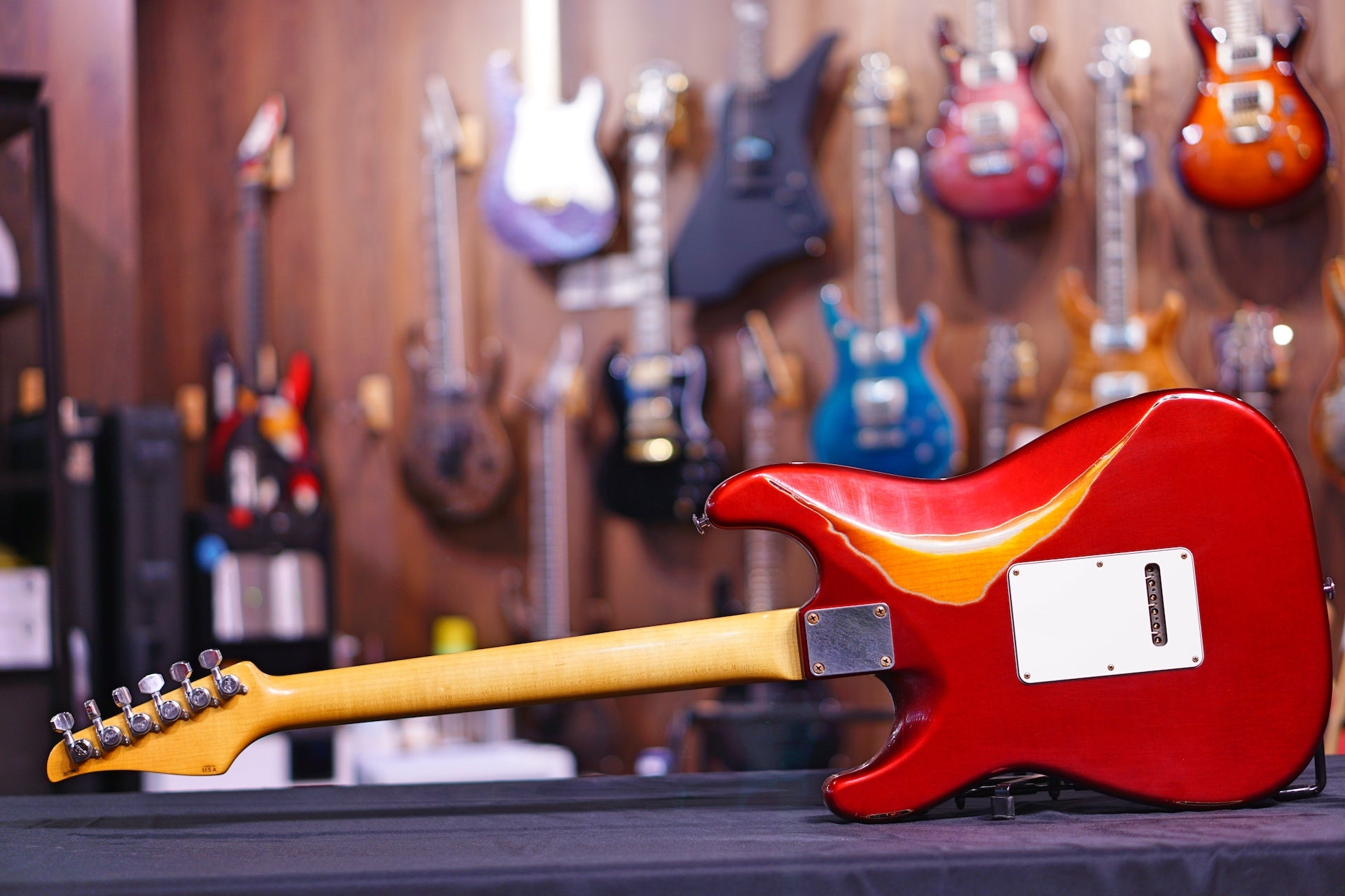 Suhr Classic Antique Finish Over Finish Candy Apple Red Js7N6J SUHR - HIENDGUITAR.COM