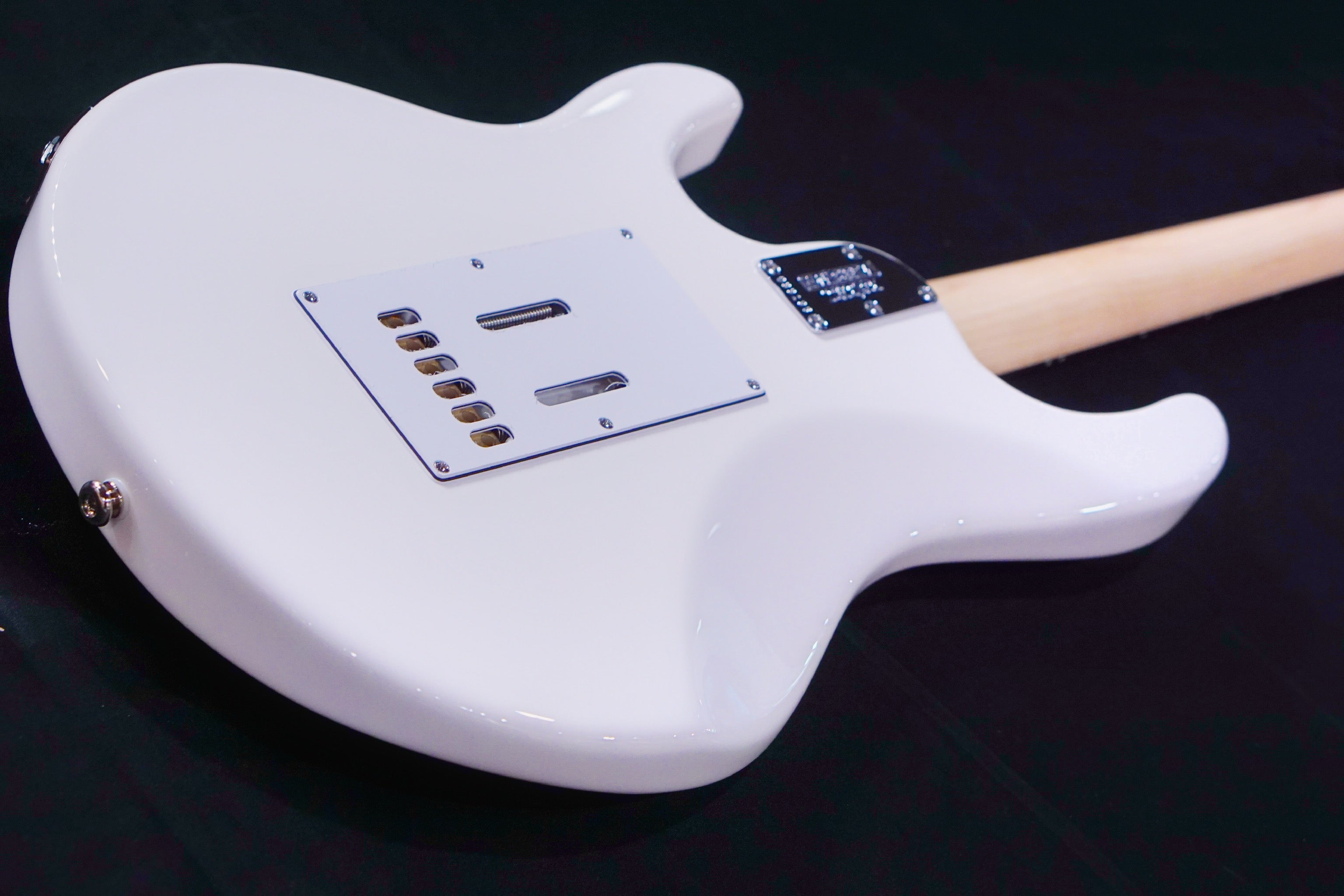 Ernie Ball Music Man Silhouette HSH Trem - White, Maple Fingerboard G99196