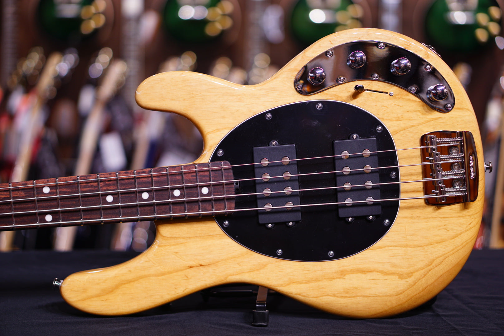 Ernie Ball Music Man StingRay Special 4HH - Classic Natural with Rosewood Fingerboard F81095 HIENDGUITAR.COM - HIENDGUITAR.COM