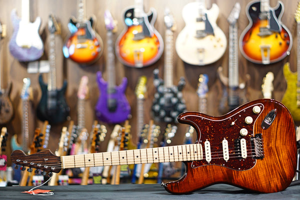 Fender Rarities Flame Maple Top Stratocaster - Golden Brown 72