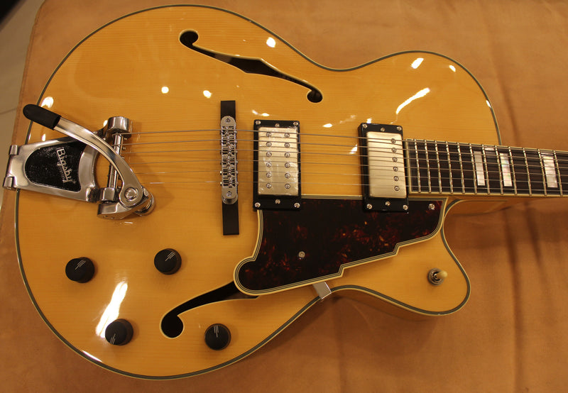 dangelico-archtop-bigsby-natural-tint-daex175nat-us14080428 indonesia