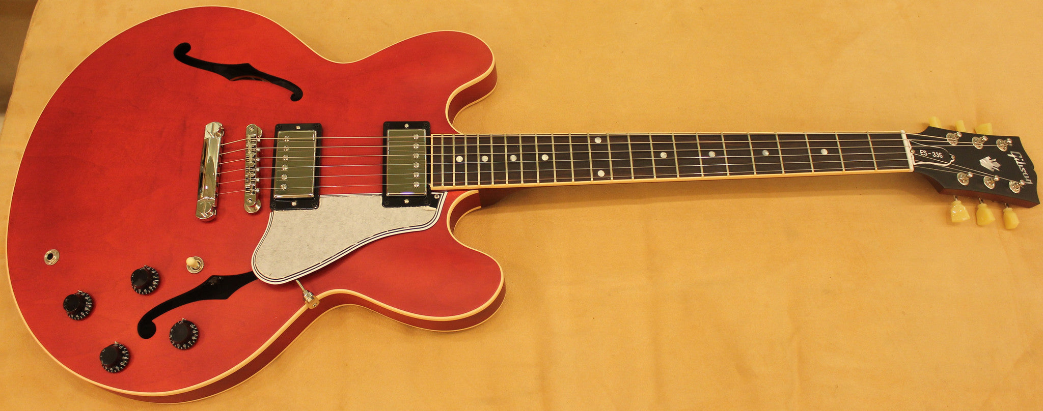 Gibson ES-335 TransRed (Faded Cherry) Gibson - HIENDGUITAR.COM