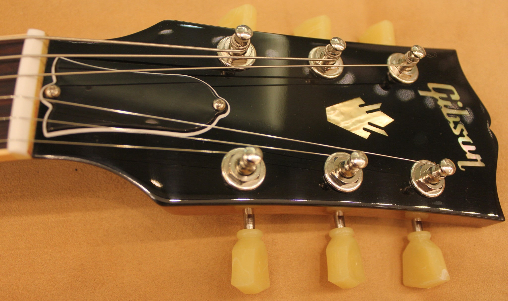 gibson-es-339-antique-vintage-sunburst-es33914avsnh1-sn-me402972 indonesia
