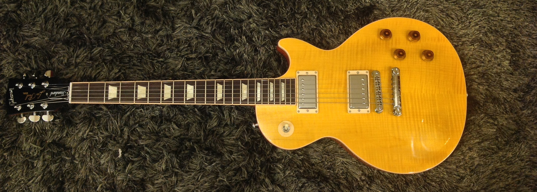 Gibson 2016 Les Paul Standard Plus Top T Electric Guitar (with Case), Transparent Amber Gibson - HIENDGUITAR.COM
