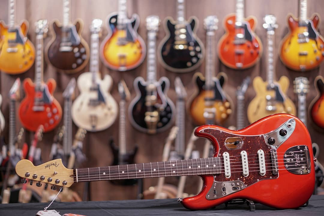 Fender Limited Edition Parallel Universe Jag Stratocaster - Candy Apple Red fender - HIENDGUITAR.COM