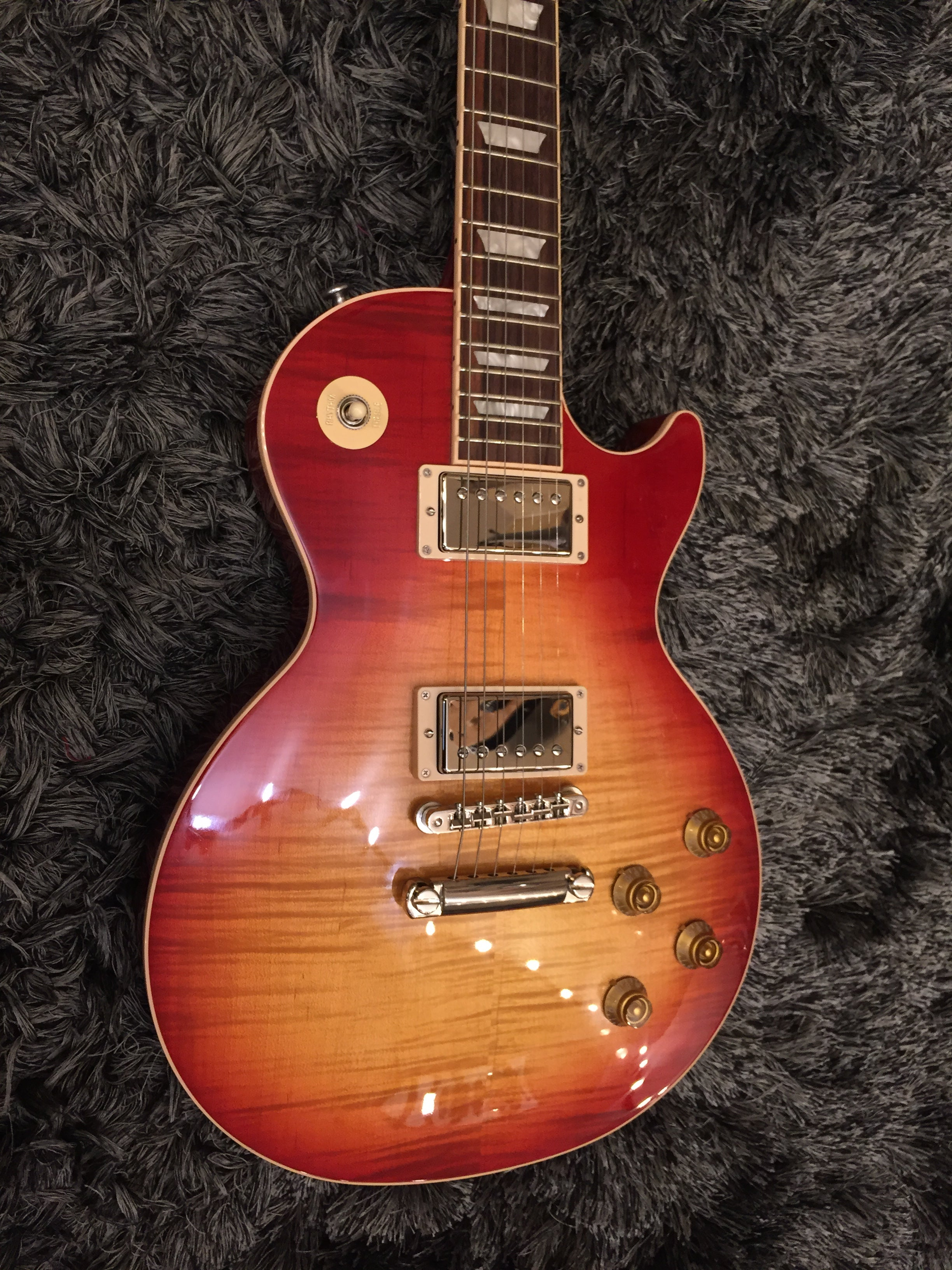 Gibson Les Paul traditional 2018 Heritage cherry 6253 GIBSON - HIENDGUITAR.COM