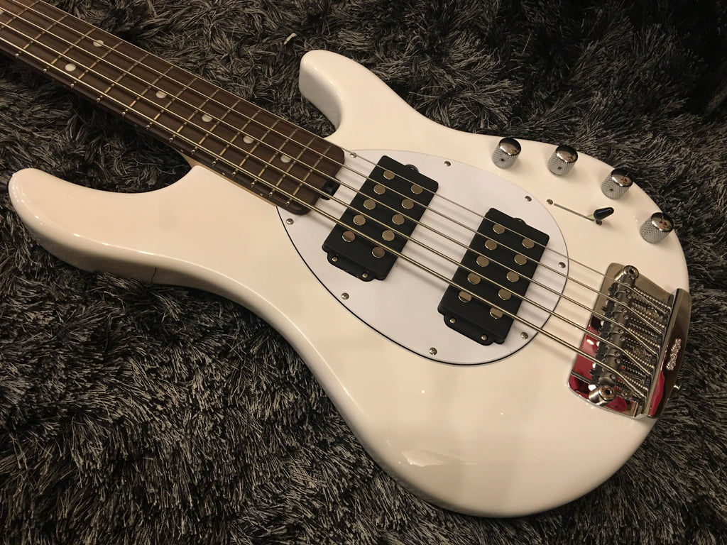 Musicman Sterling V white  F45670