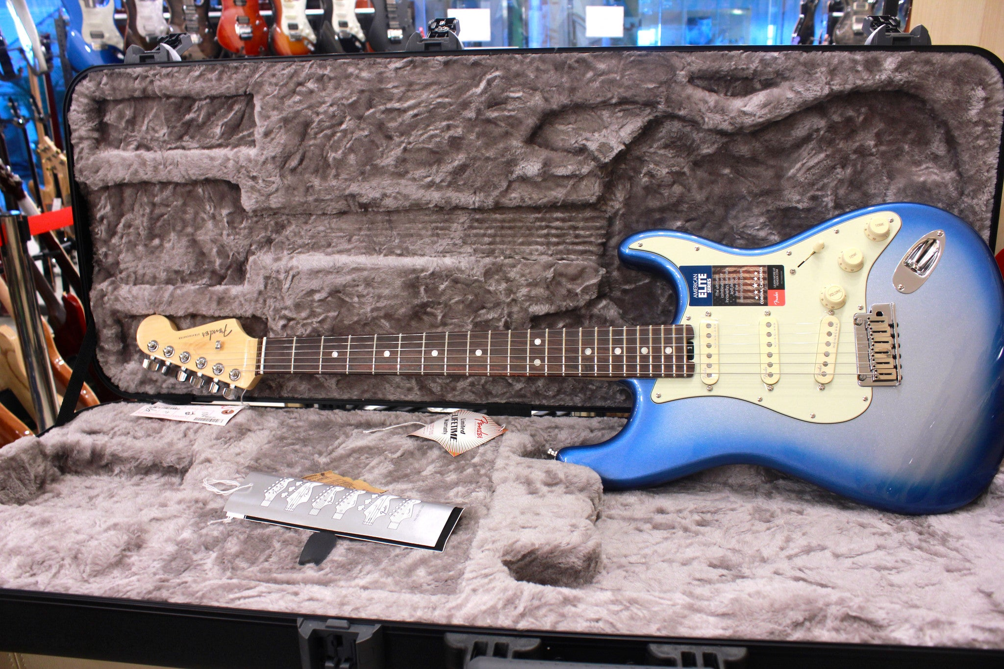 Fender American Elite Stratocaster - Sky Burst Metallic with Rosewood Fingerboard 0114000736