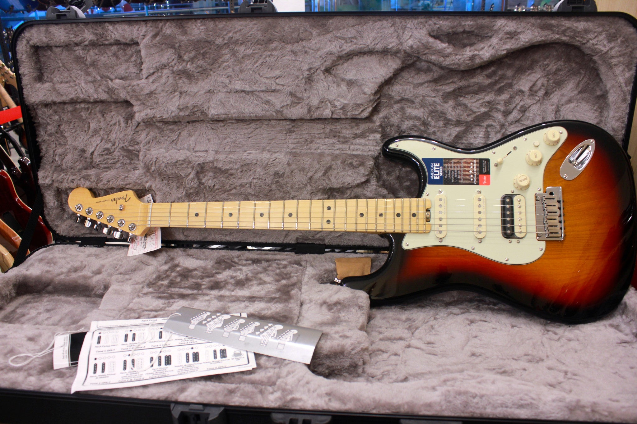 Fender American Elite Stratocaster HSS Shawbucker - 3-color Sunburst with Maple Fingerboard HIENDGUITAR.COM - HIENDGUITAR.COM