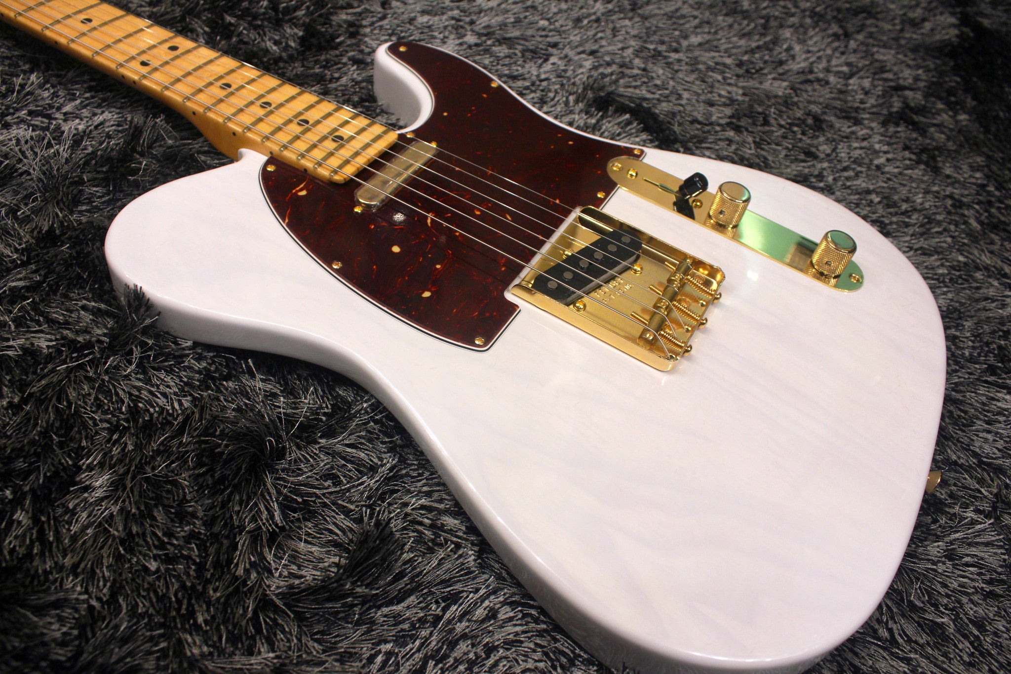 Fender 2016 Limited Edition Select Light Ash Telecaster - White Blonde