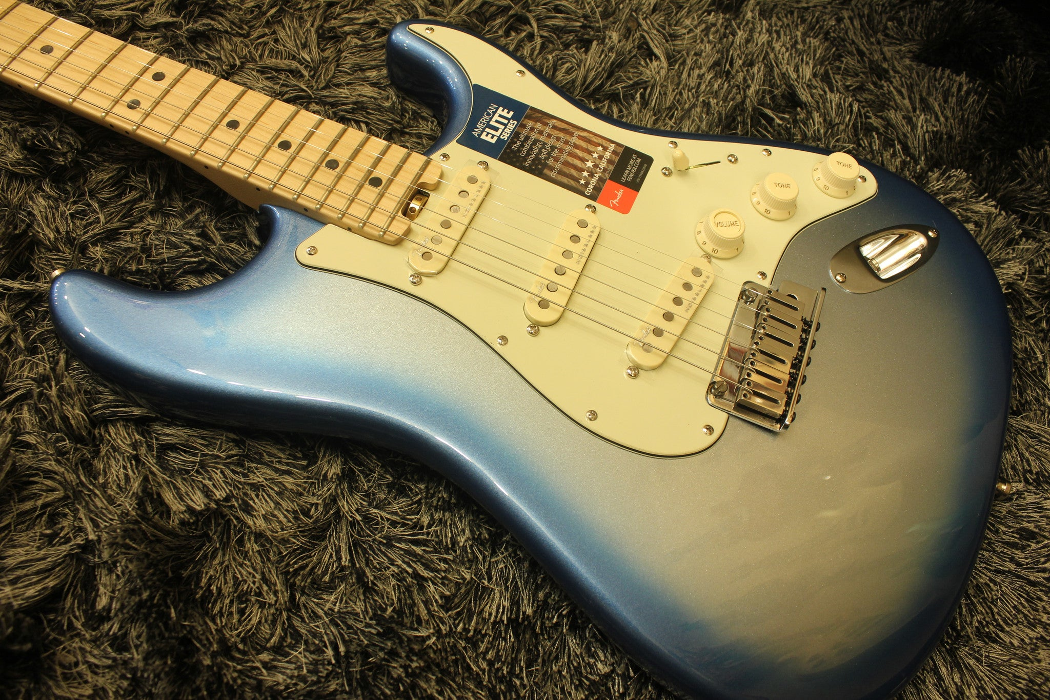 Fender American Elite Stratocaster - Sky Burst Metallic with Maple HIENDGUITAR.COM - HIENDGUITAR.COM