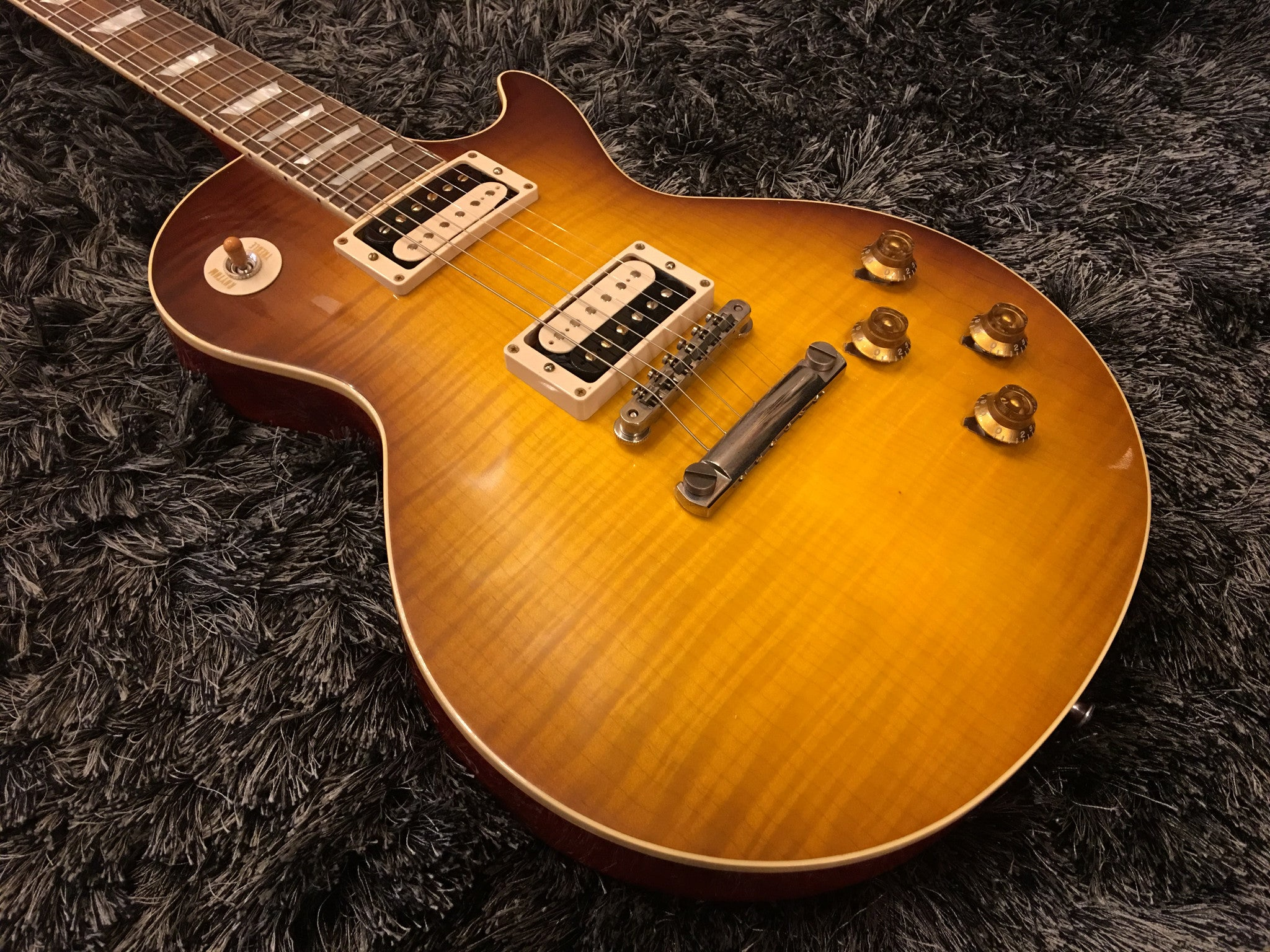 "GIBSON ""The Beauty of the Burst"" no 2 1958 LES PAUL REISSUE VOS ""HAND PICKED"" HIENDGUITAR.COM - HIENDGUITAR.COM"