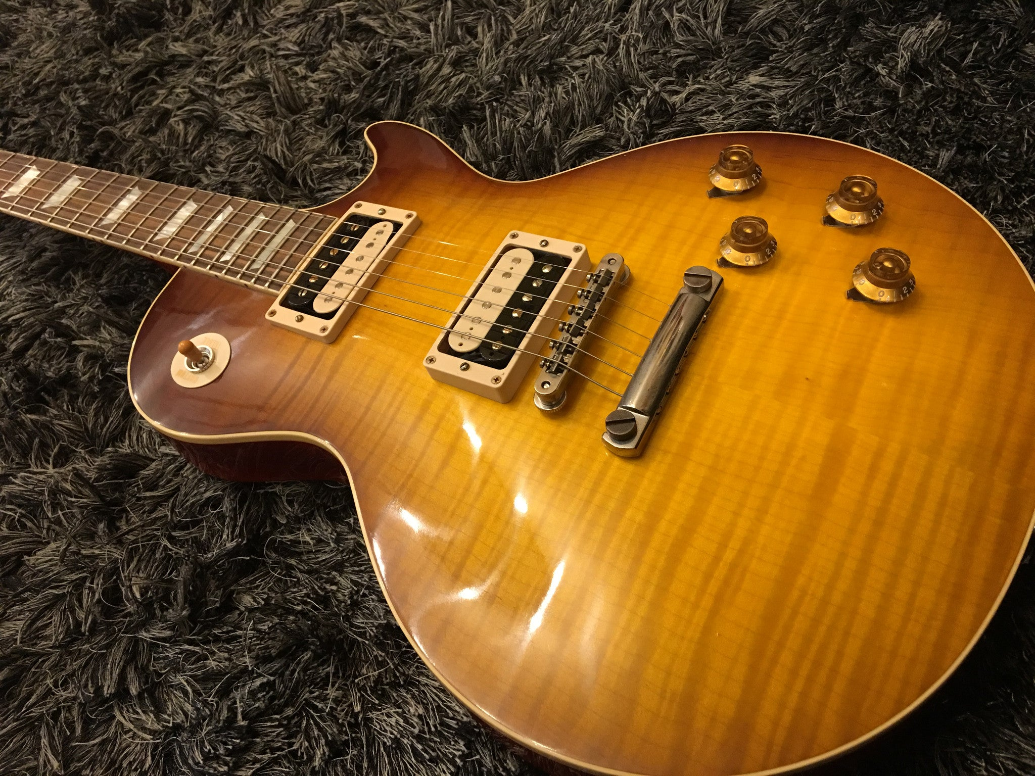 "GIBSON ""The Beauty of the Burst"" no 2  1958 LES PAUL REISSUE VOS  ""HAND PICKED"" - HIENDGUITAR   HIENDGUITAR.COM GUITAR"