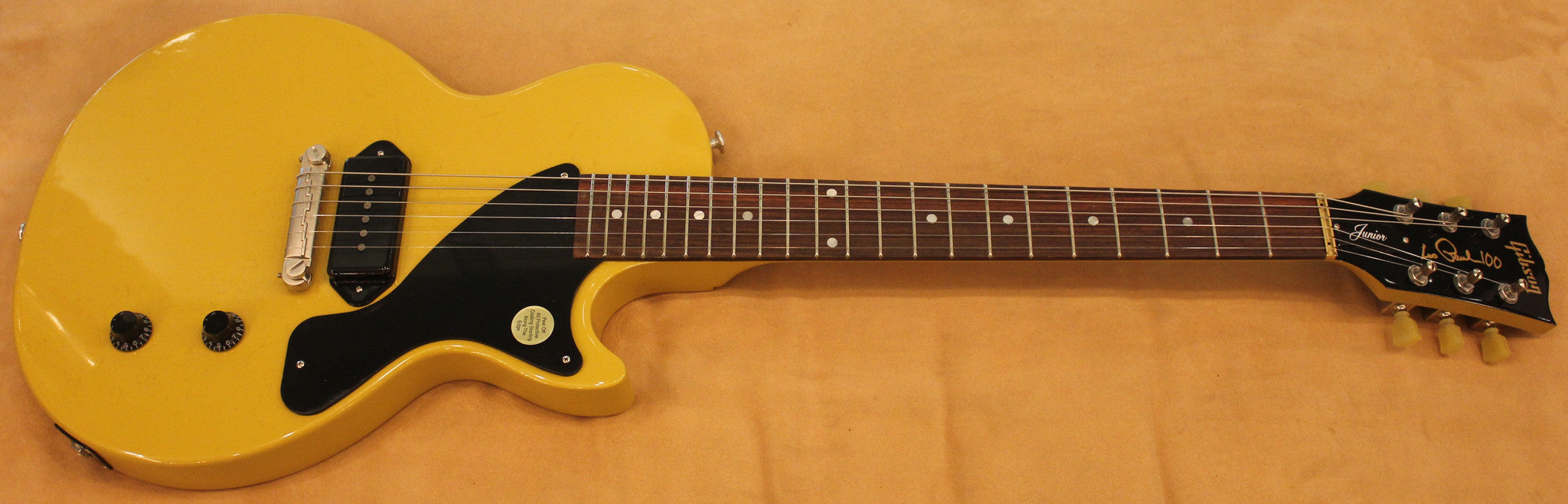 gibson-les-paul-junior-2015-gloss-yellow-lpjr15gysn1-sn-150038717