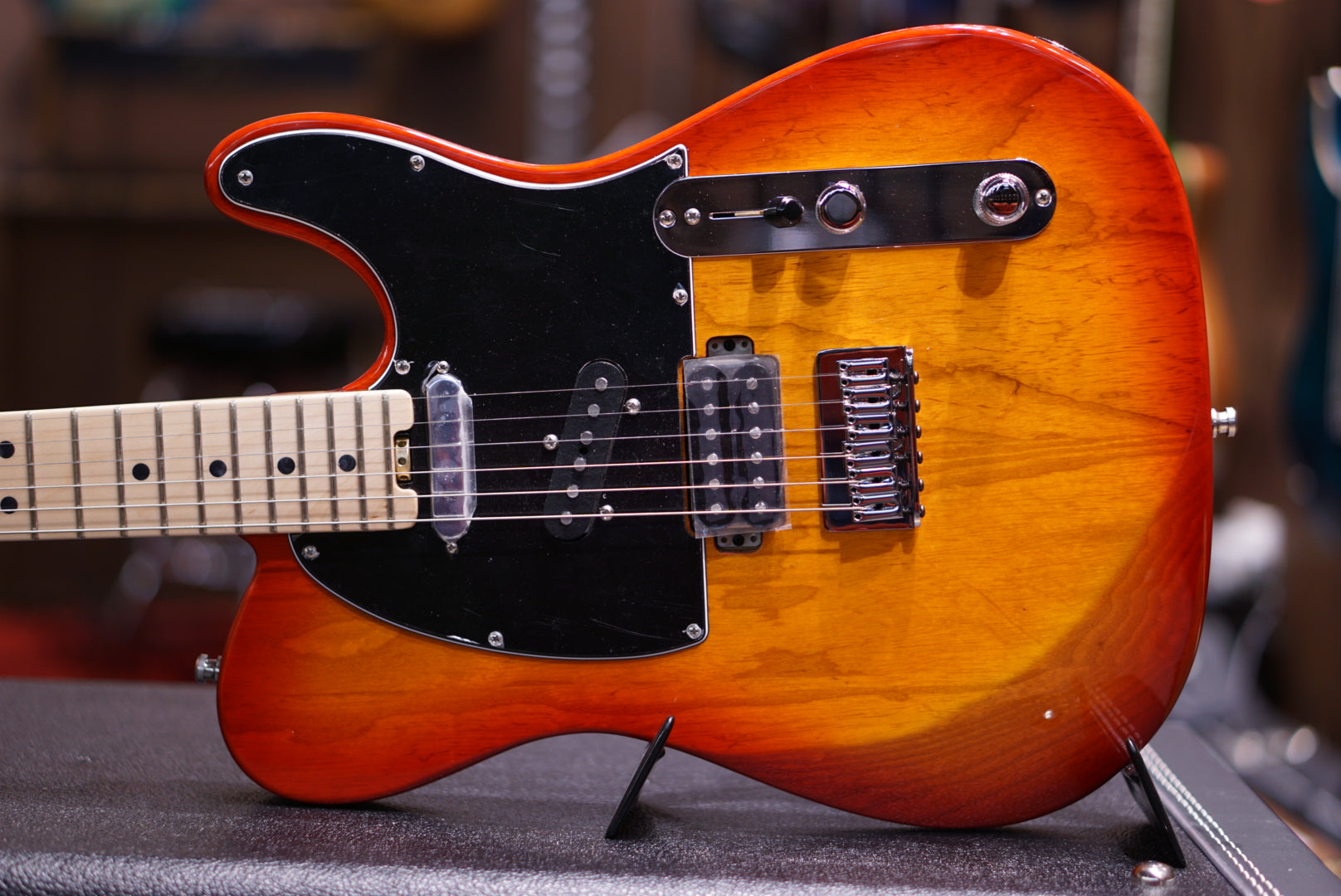 Fender Limited Edition Parallel Universe American Elite Nashville Telecaster - Antique Cherry Burst