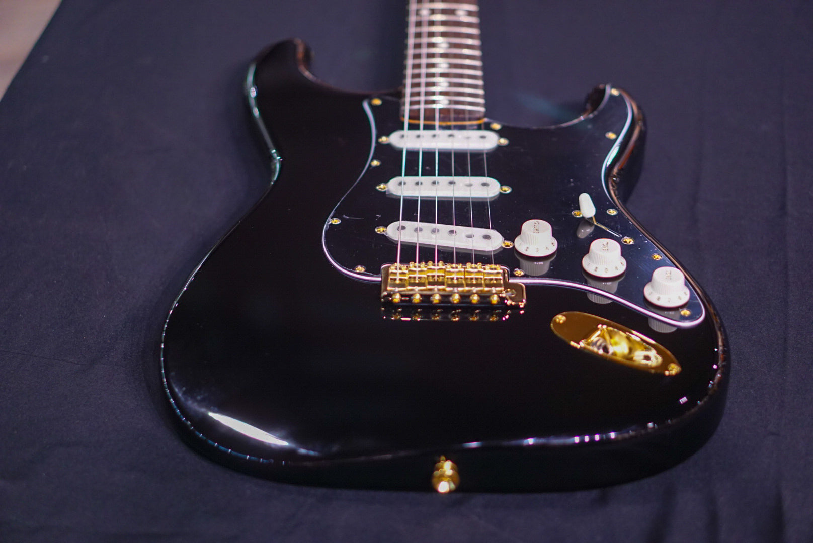 Fender Limited Edition Midnight Stratocaster Japan HIENDGUITAR.COM - HIENDGUITAR.COM