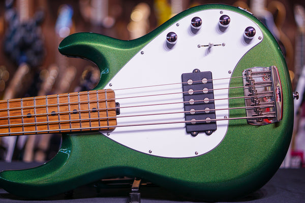 Ernie Ball Music Man StingRay Special 5 H - Charging Green F81832