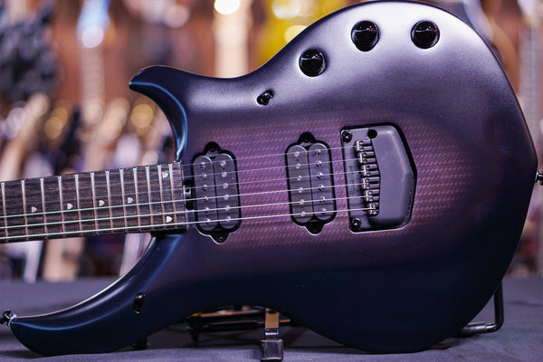Ernieball musicman majesty polar noir