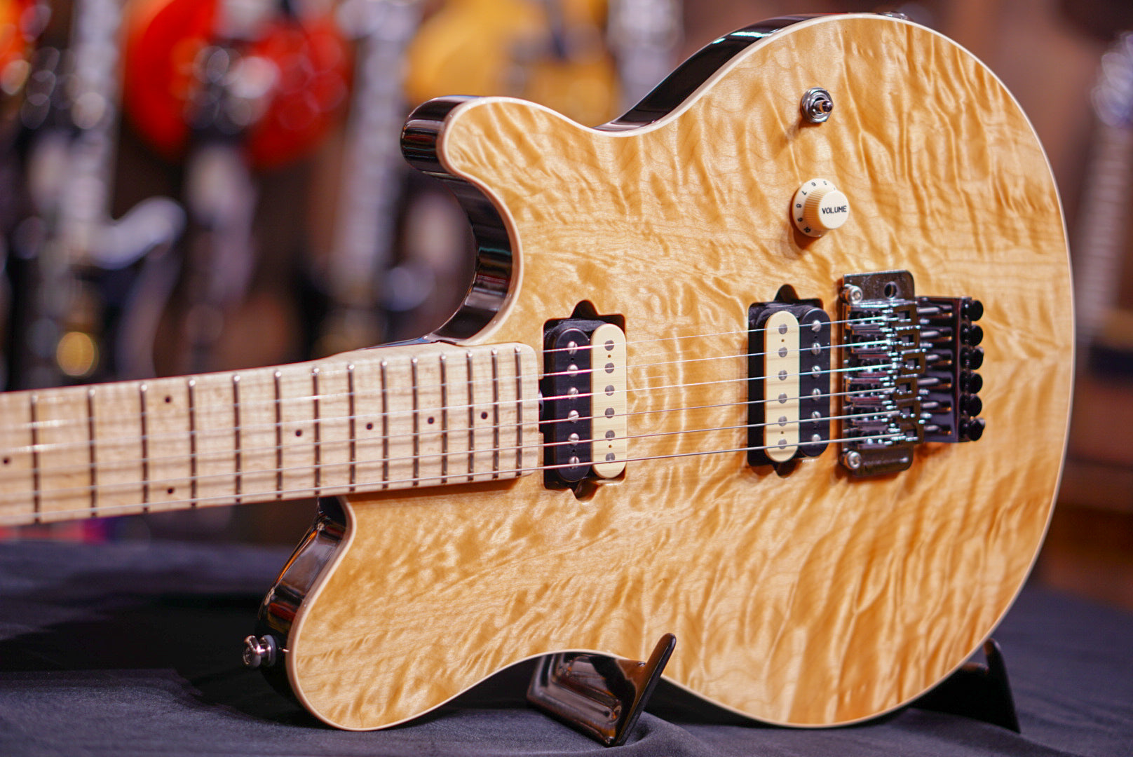 musicman axis natural quilt G85079