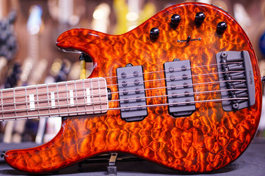 Ernie Ball Music Man BFR StingRay 5 - Giants Orange Quilt F85378 - HIENDGUITAR.COM
