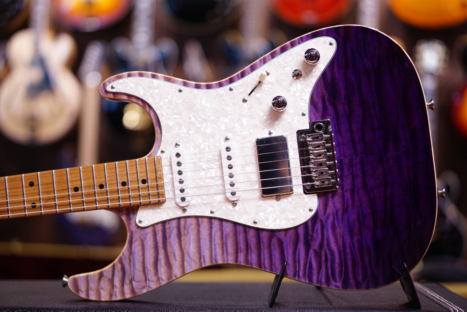 Anderson drop top classic purple surf with binding Hollow Anderson - HIENDGUITAR.COM