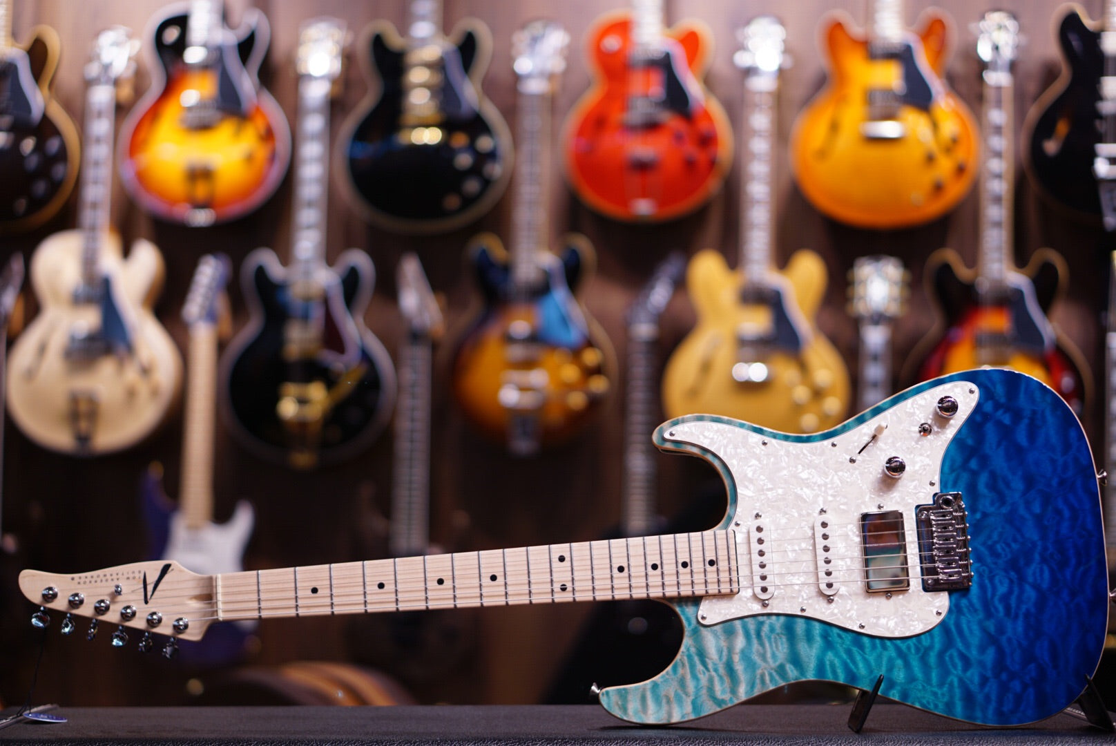 Anderson drop top classic bora blue surf with binding HIENDGUITAR.COM - HIENDGUITAR.COM