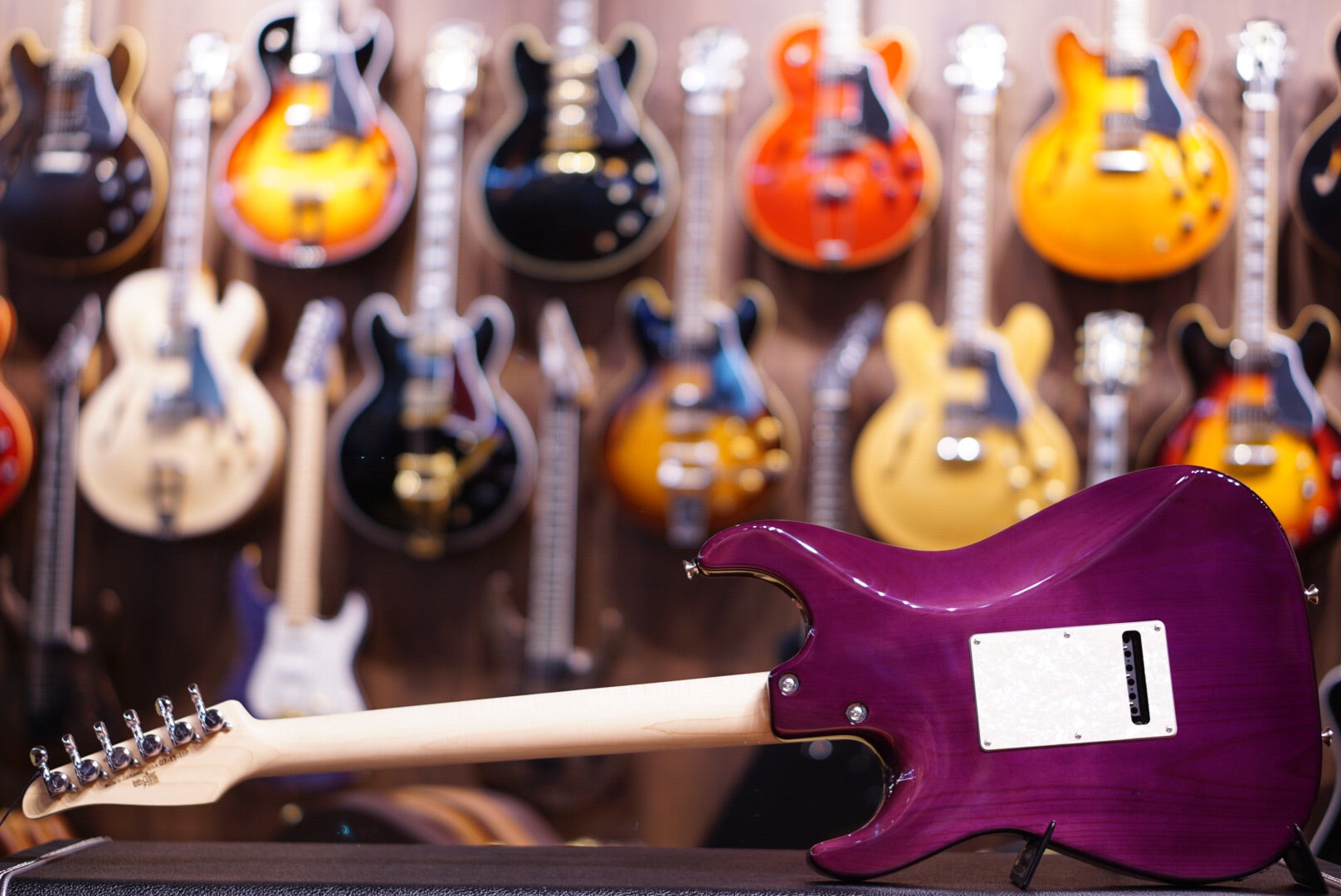Anderson drop top classic purple surf with binding - HIENDGUITAR   Anderson GUITAR