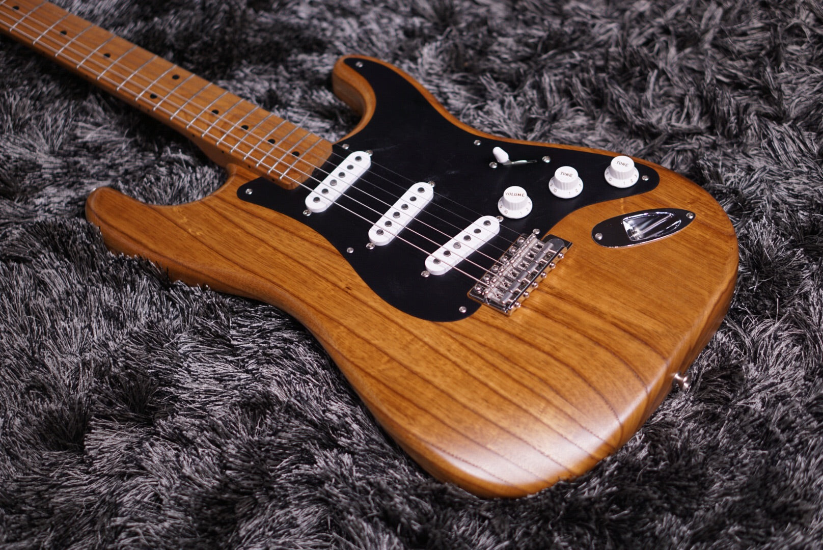 Fender Limited edition American vintage 56 stratocaster Roasted ash
