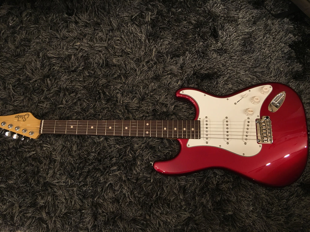 Suhr classic pro candy apple red SSS rosewood