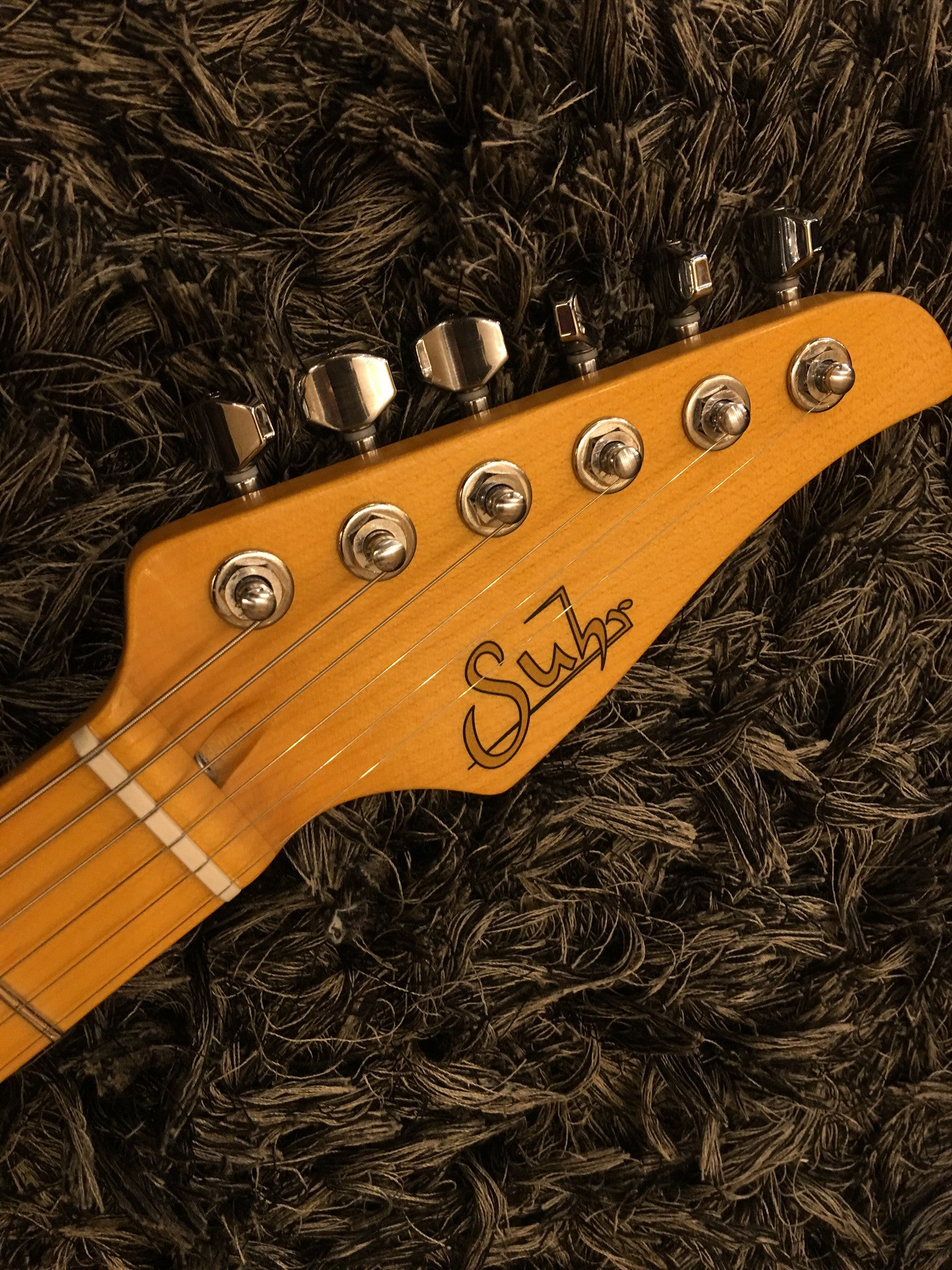Suhr Classic Antique, 3 Tone Burst Maple fingerboard, HSS - HIENDGUITAR   SUHR GUITAR