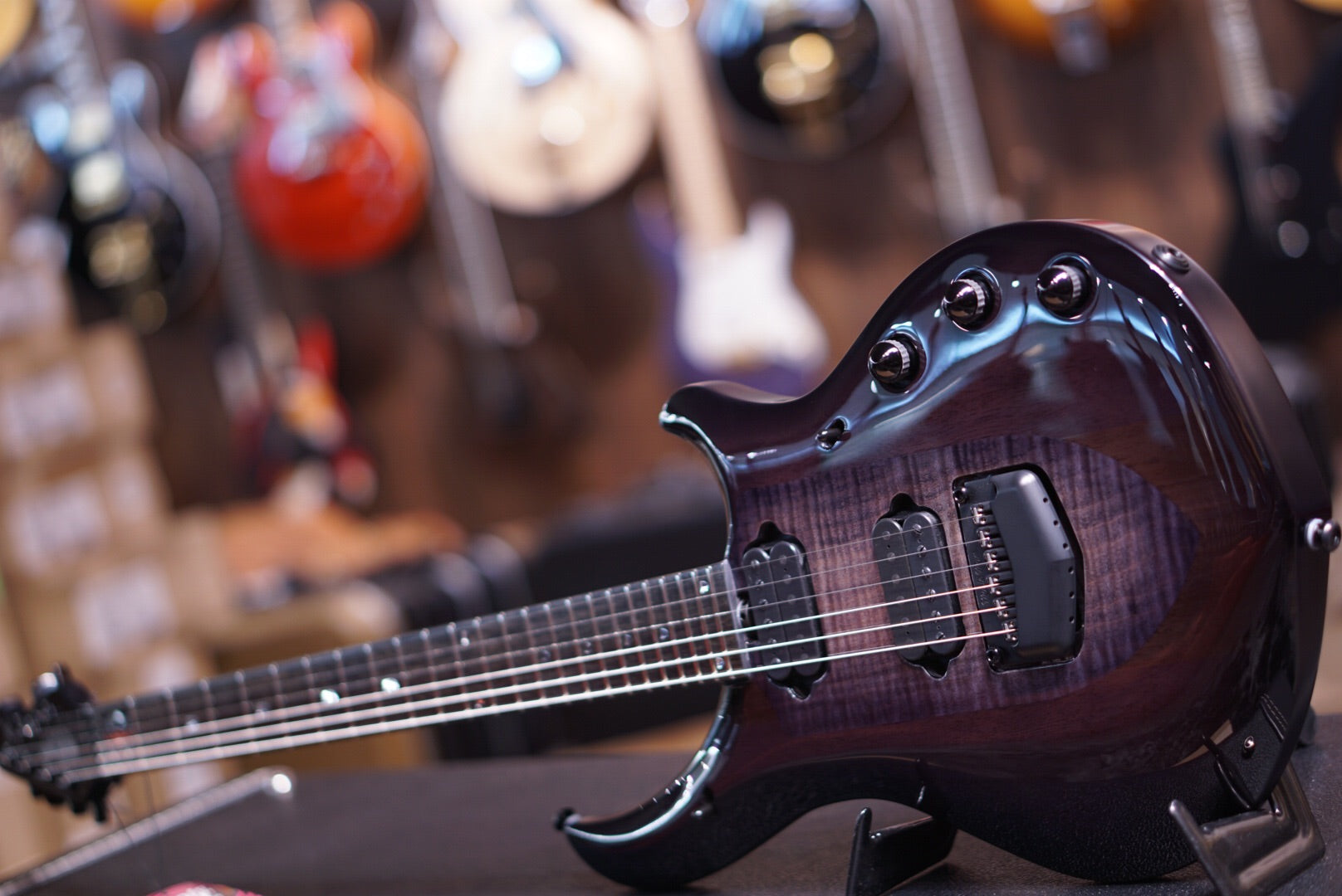 Musicman Majesty monarchy black knight