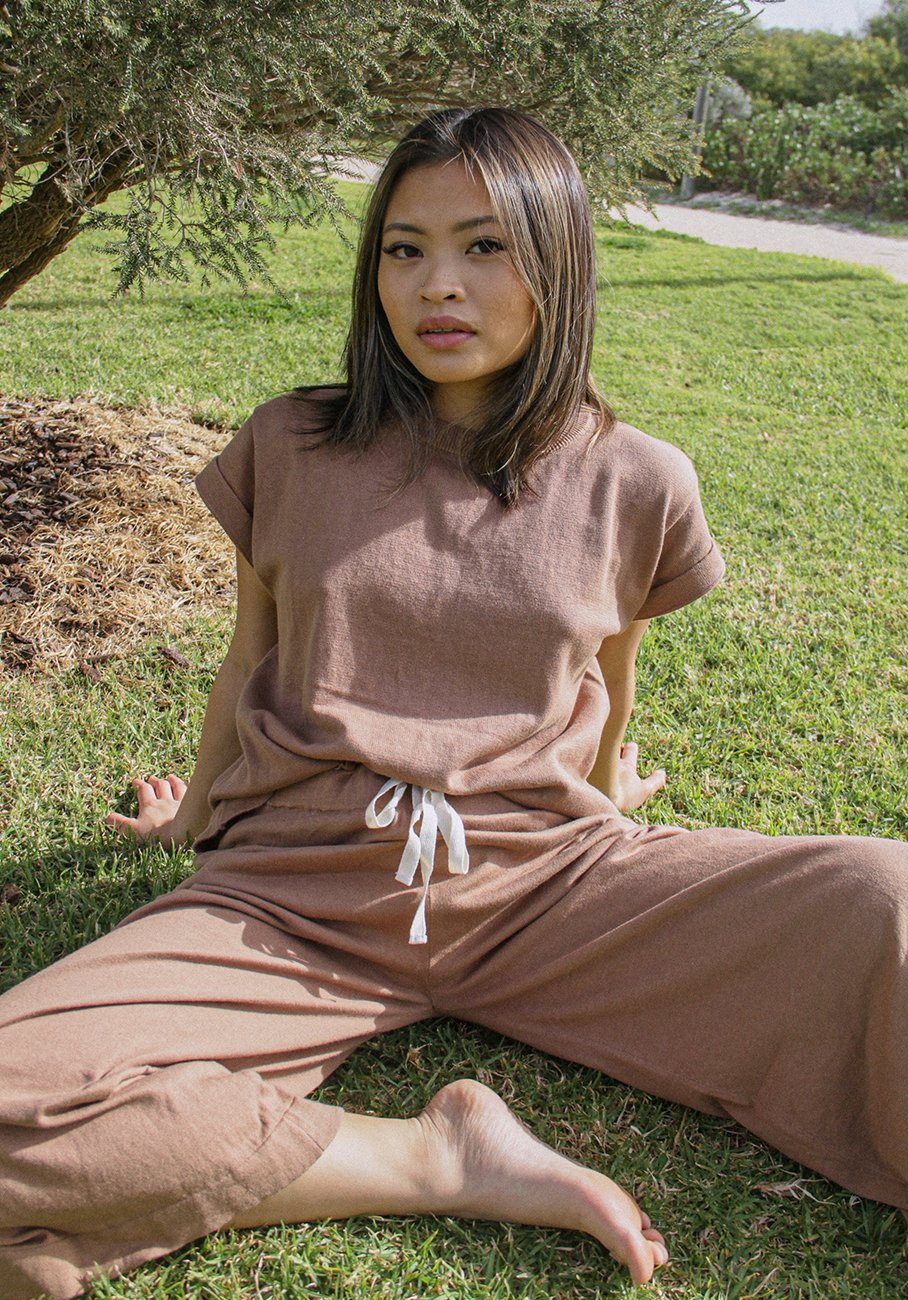 womens knit pant brown