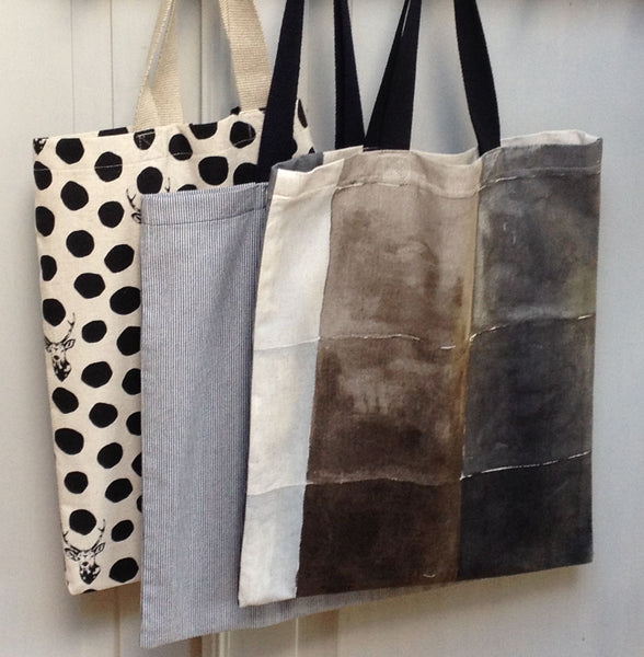The Draper's Daughter Tote Bag Tutorial in Nani Iro for Kokka's Water Window