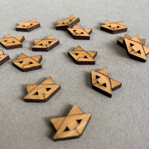 Arrow Mountain Cat Bamboo Buttons