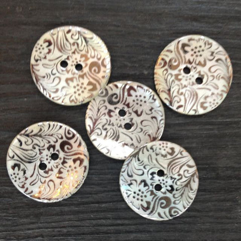 DITSY FLORAL AGOYA SHELL BUTTONS • White • 23mm