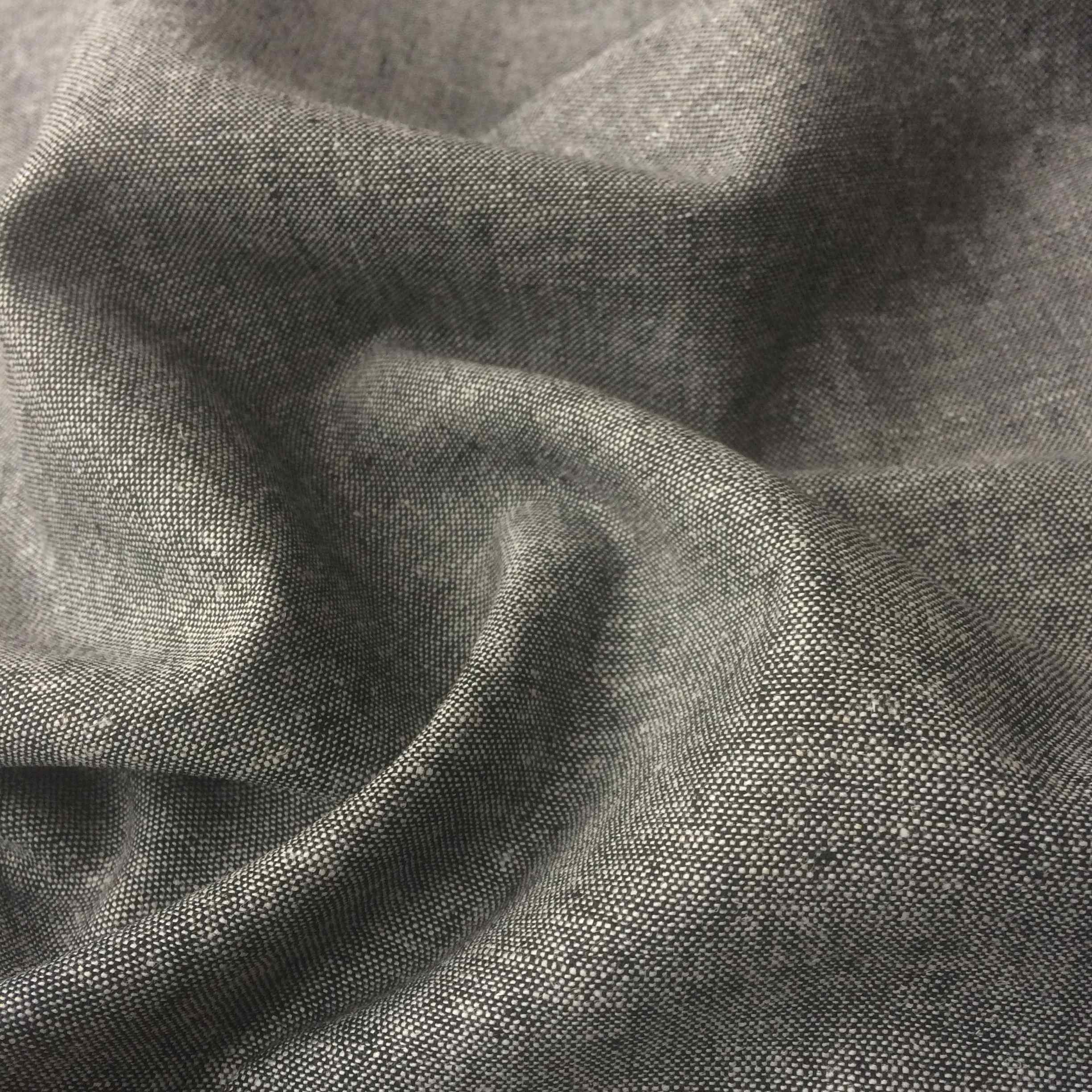 Robert Kaufman yarn Dyed Essex Linen Black