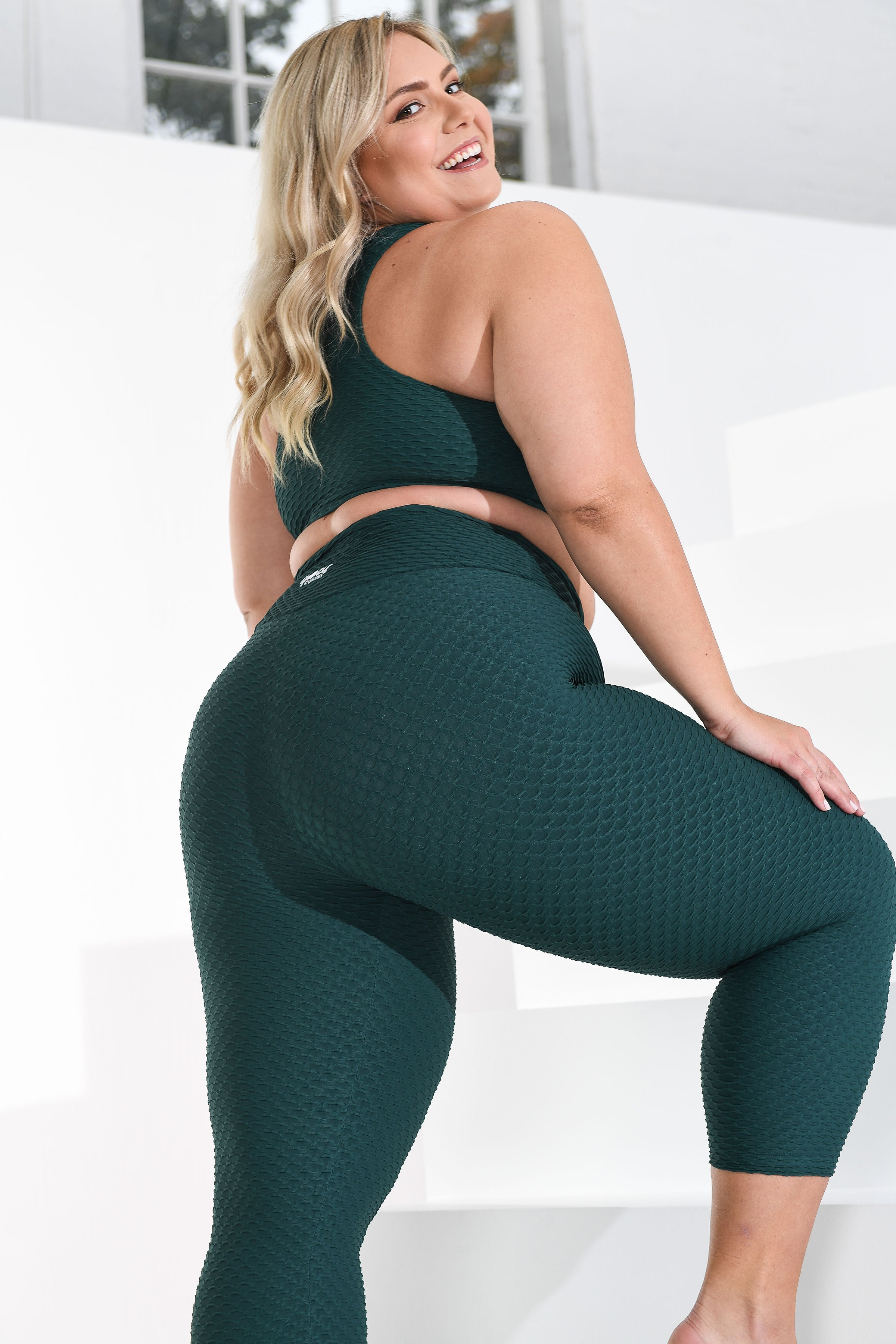 Curvy Cropped Croco Skin Emerald