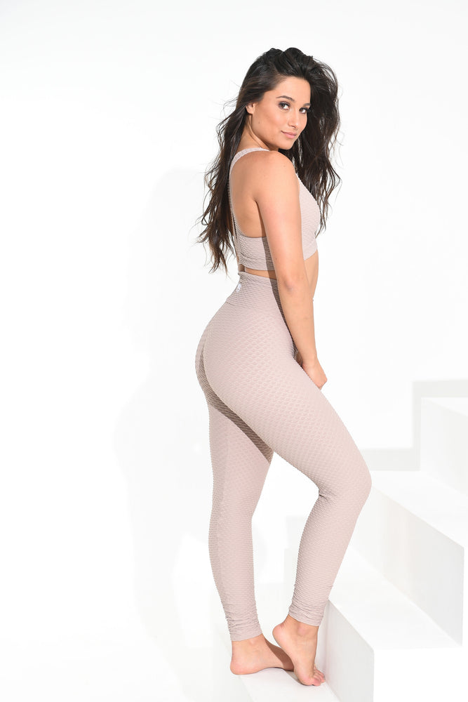 Load image into Gallery viewer, Croco Skin Leggings Dulce de Leche