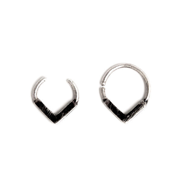 black silver FLAT V SEPTUM RING by ADI LEV design