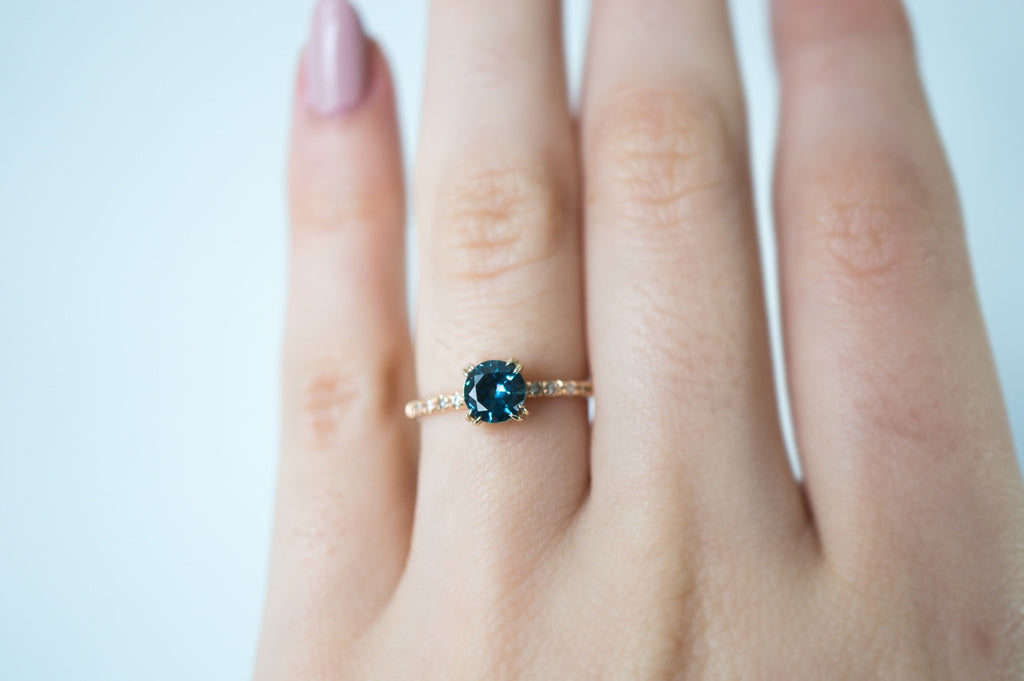 engagement sapphire s mount blue on best diamond ring dark green halo eragem rings pinterest images