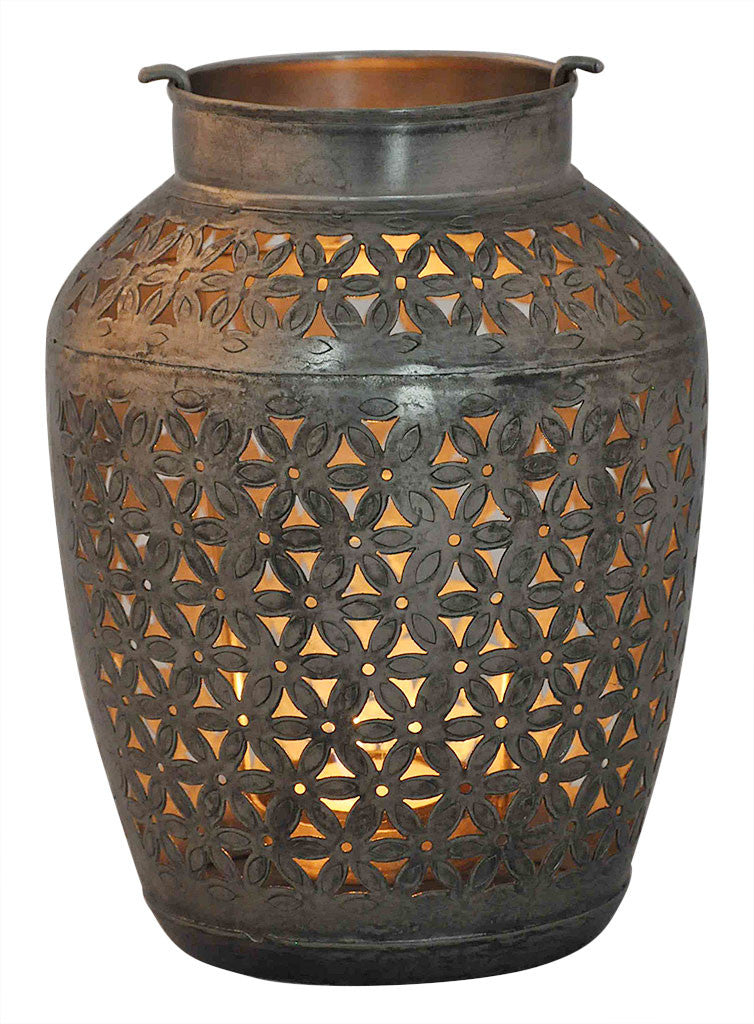 Decorative Iron Pot//Pot Décorative en Fer