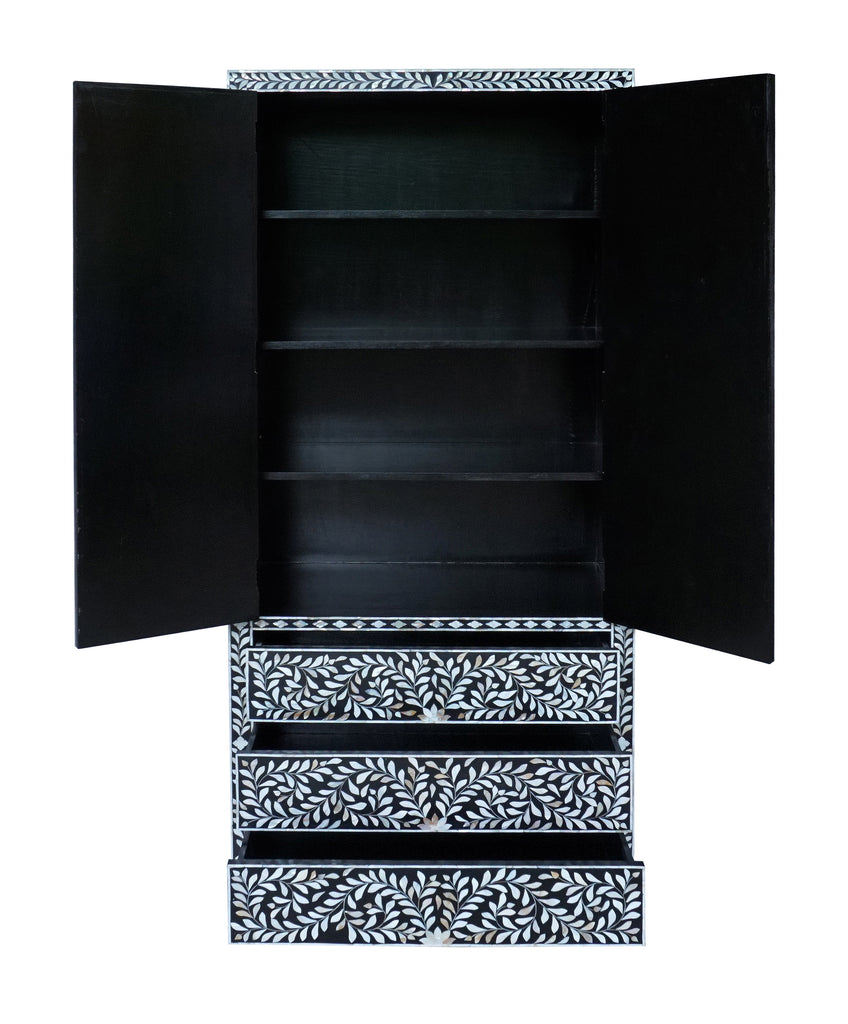 Mother of pearl inlay cabinet with 3 drawers//Cabinet incrusté en nacre à 3 tiroirs