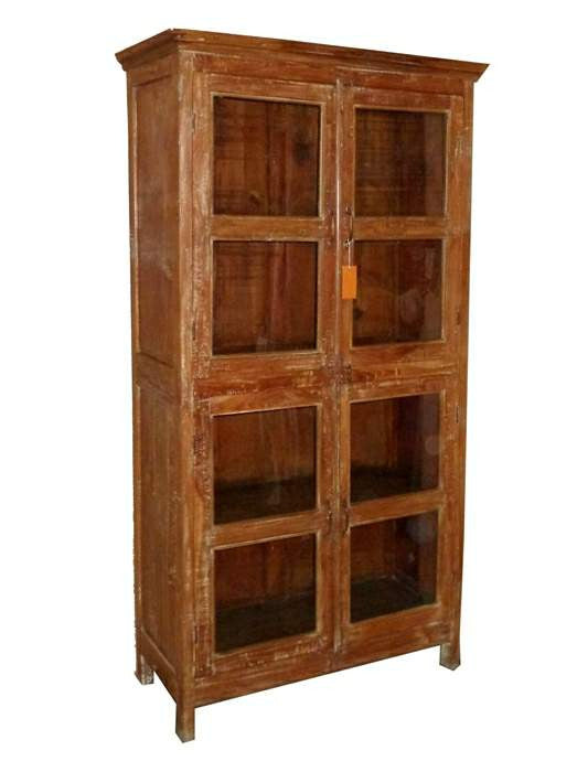 Oriental Sunrise: Old Glass Cabinet//Oriental Sunrise: ancienne armoire vitrée